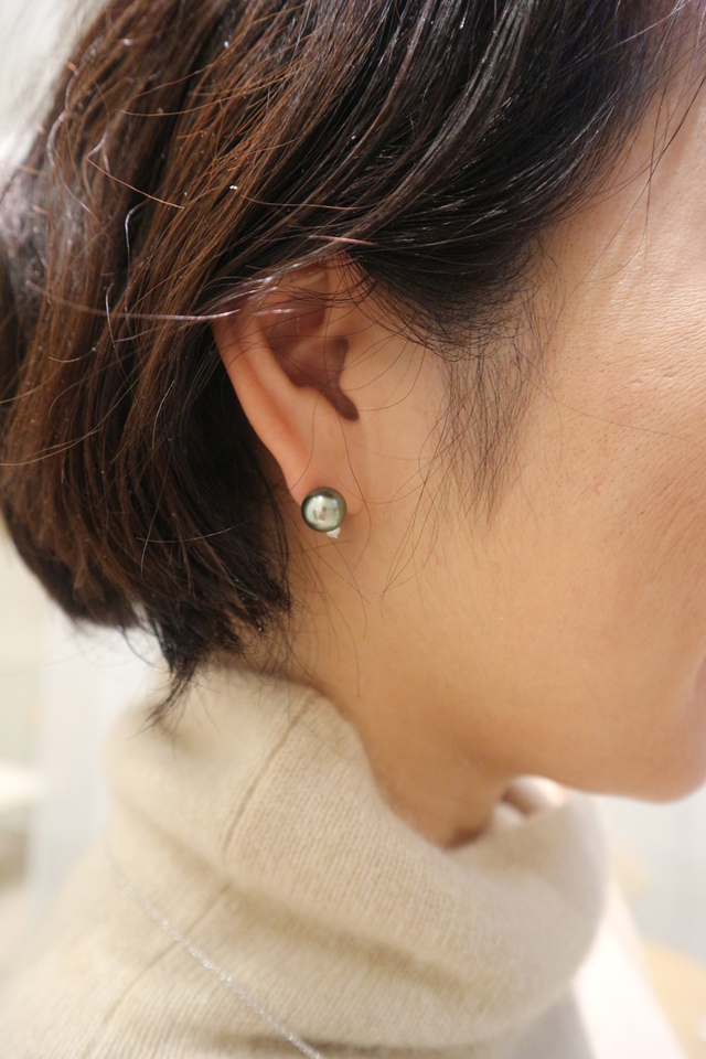 a86718e27b81ee こんなピアスをさらっとつけている大人の女性に憧れます。黒蝶真珠のピアス¥263000(税別)/ミキモト